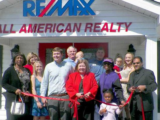 0405 Ribbon cutting