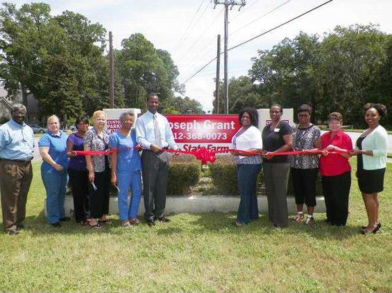 0830 Joseph Grant State Farm Insurance Ribbon Cutting 25