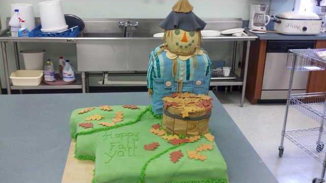 1030 Scarecrow cake