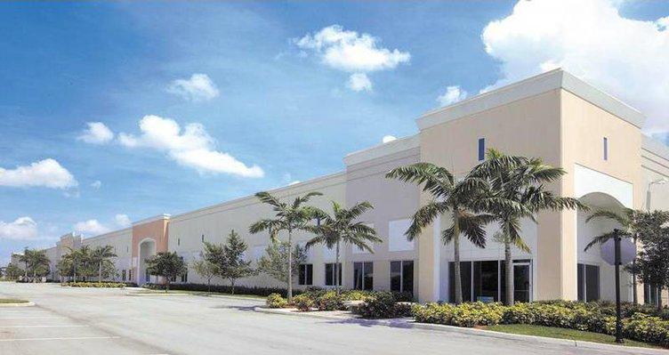 IDI Photo - Tradeport East