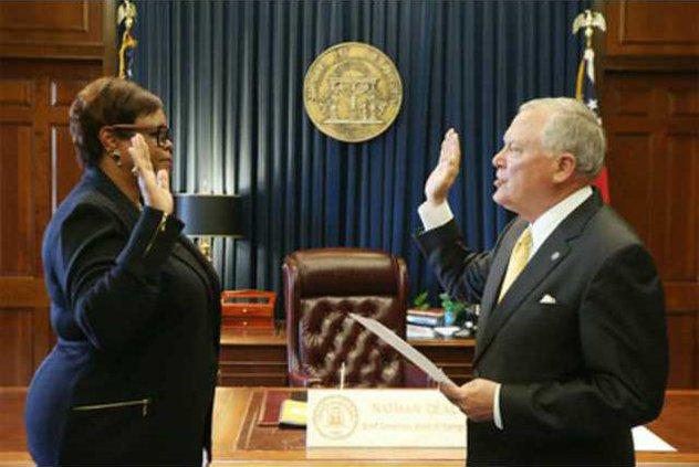 Lee sworn in