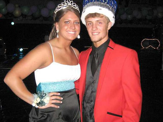 0424 prom king and queen