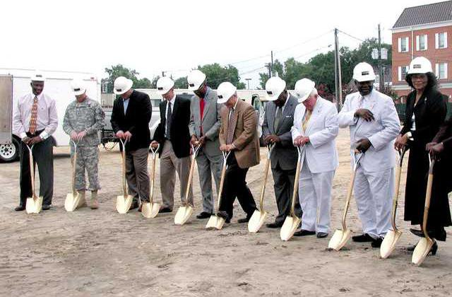 0702-city-hall-groundbreaking-010