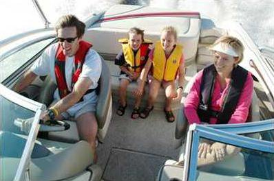 Boating Safety Family 400x260