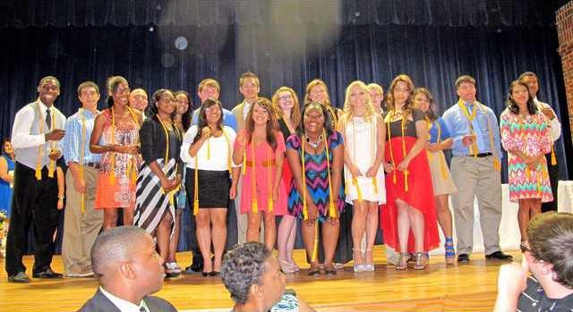 Pic 1 Honor Grads and BETA Club members