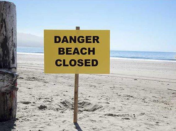 beachclosed sign