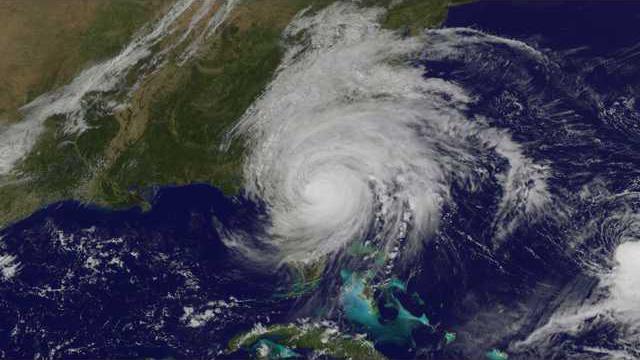 hurricane-matthew-goes-e1476474437994