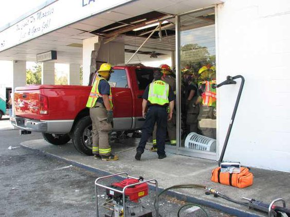 0304 Truck hits cleaners