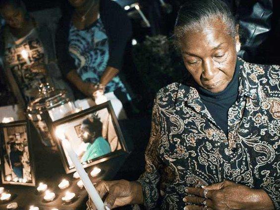 1105-Candlelight-vigil