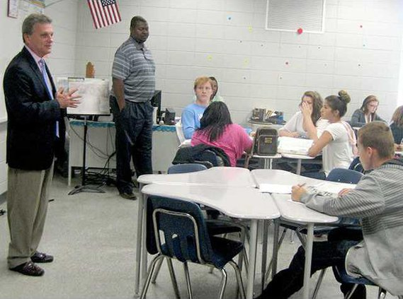 1 Pic 1 for Wed 5-13  Buddy Carter Visits US Govt Class at  Long Co School