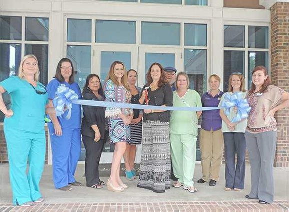 Heartland Hospice Ribbon Cutting