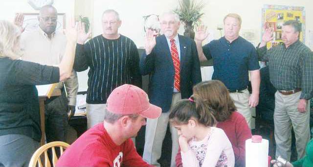MR New Comm sworn in