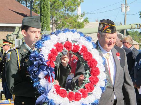VFW wreath with Cdr. Stephen Wheeler