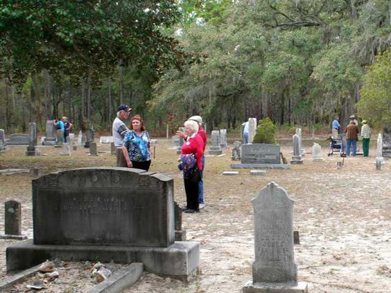 web cemetery tour IMG 5255