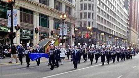 Blue Tide Band plays in Chicago Parade