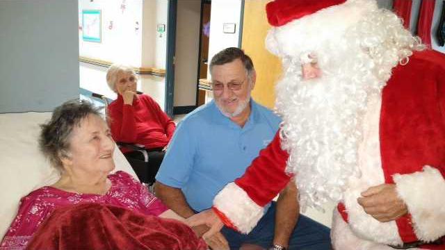 Long santa at manor