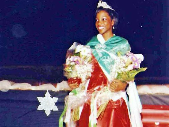 MIdway pageant gal