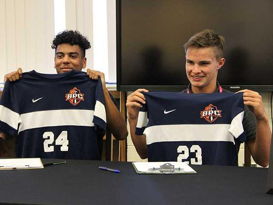 SOCCER SIGNERS
