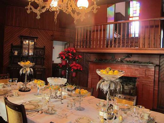 late 19th century dining room decorated for Christmas