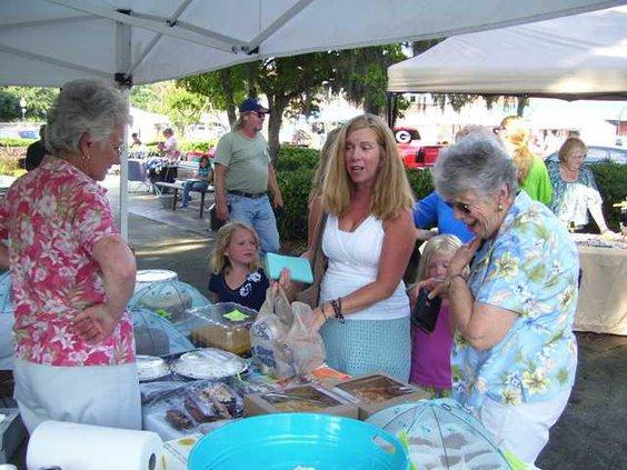 web 0812 Farmers market 3