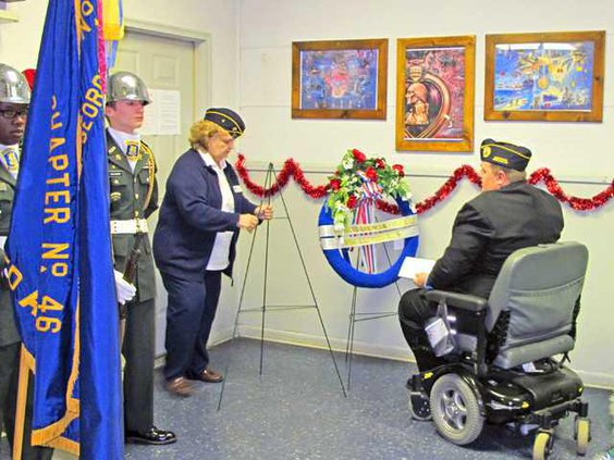 web Helmick  Sybil lay wreath