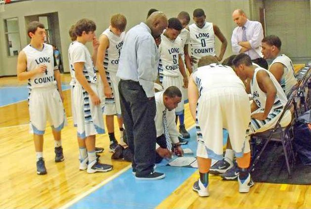 Head Coach Deshon Brock will try to regroup his Tide team after a decisive loss to Vidalia