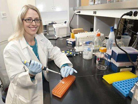 LW personalized medicine Cavallari lab photo 2