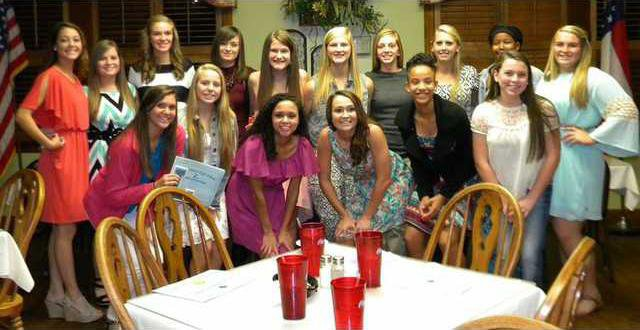 Lady TIde Hold Softball Awards Banquet