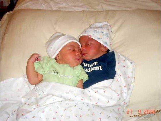birth dunbar twins