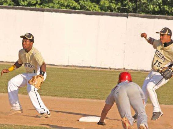 0415 Panther baseball