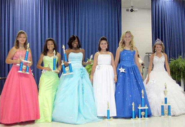 1019 FBLA pageant 2