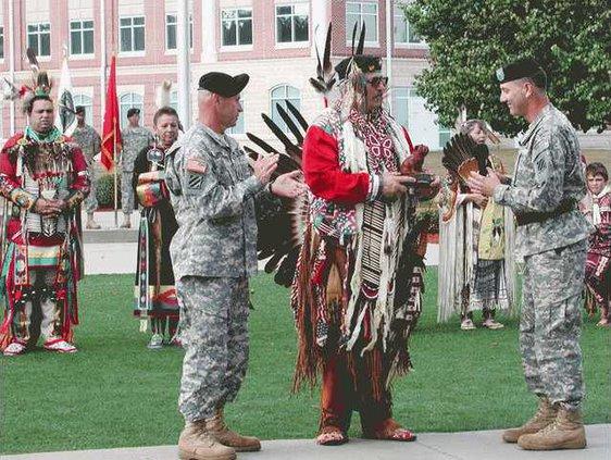 Native-American-dancers-082