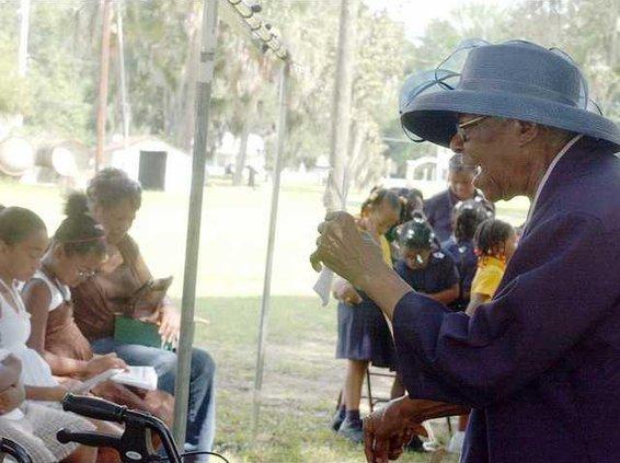 Ollie Howard 89. gives the prayer