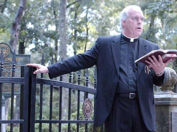 Rev.-C.-Clark-Hubbard-Rector-blesses-the-gates