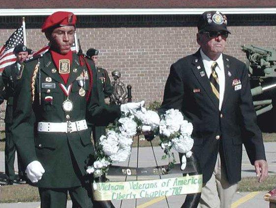 Veterans-Day-wreath