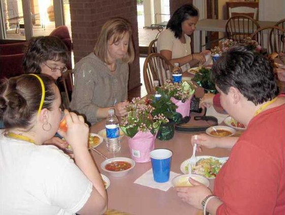 0328 Families dining