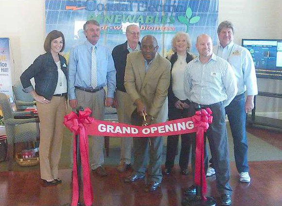 Coastal Electric ribbon cutting 0204