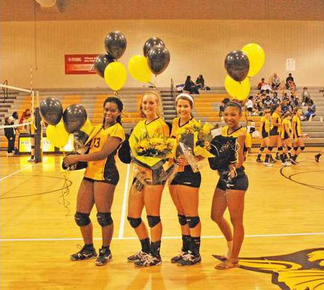 volleyball-seniors-for-web