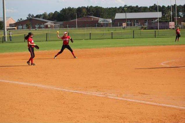 BC softball 0928 003