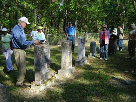 0422 cemetery tour 2
