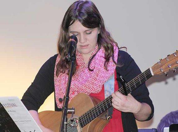 Daffani Eason-Worship leader from Waterfront Church plays guitar Photo by Evelyn Fallon