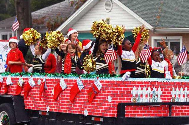RH Cmas parade