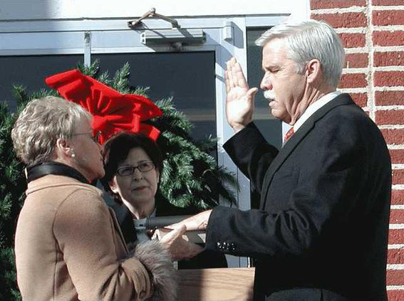 Sikes-swearing-in-011
