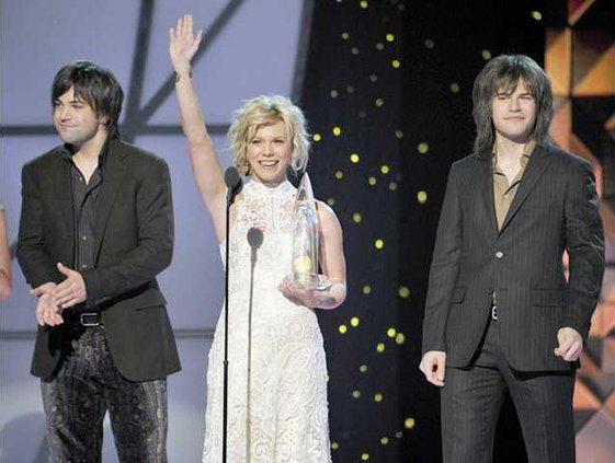 awards11 win thebandperry 1778 21700