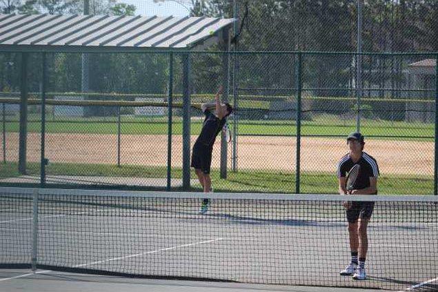 RH tennis 0405 002