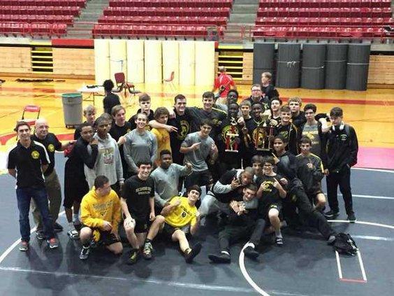 RH wrestlers