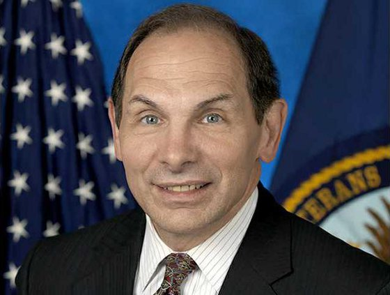 Robert McDonald VA head