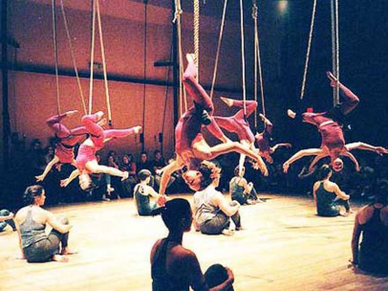 0425 aerial dancers