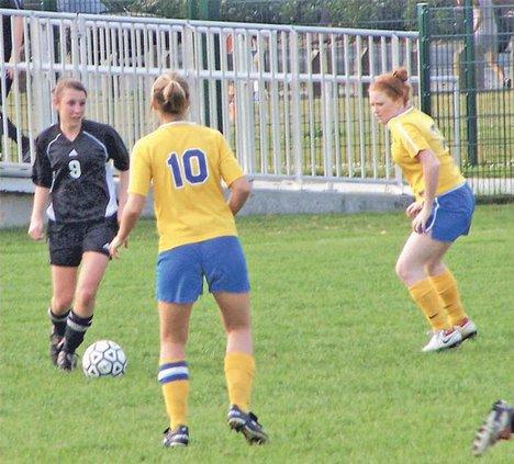 RH-girls-soccer-vs-St-V cor