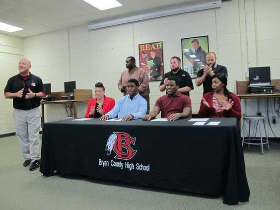 sports-web-bchs-signing